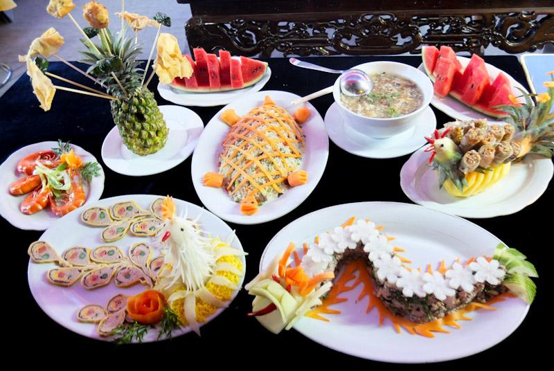 Ẩm thực Cung đình Huế - Đặc trưng ẩm thực Huế.