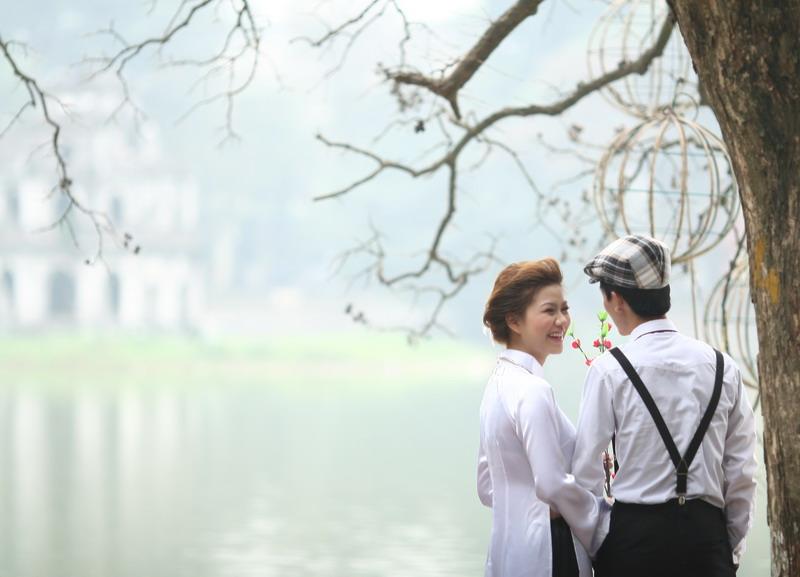 Chụp ảnh cưới tại hồ