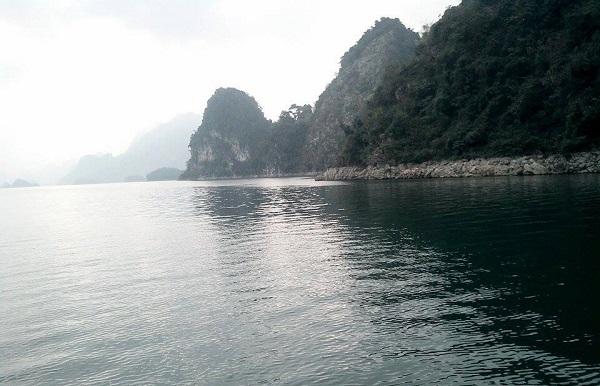 Ba Khan, điểm du lịch ở Mai Châu.