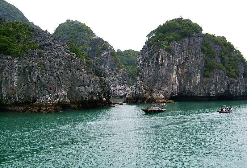 Vịnh Lan Hạ - Cát Bà