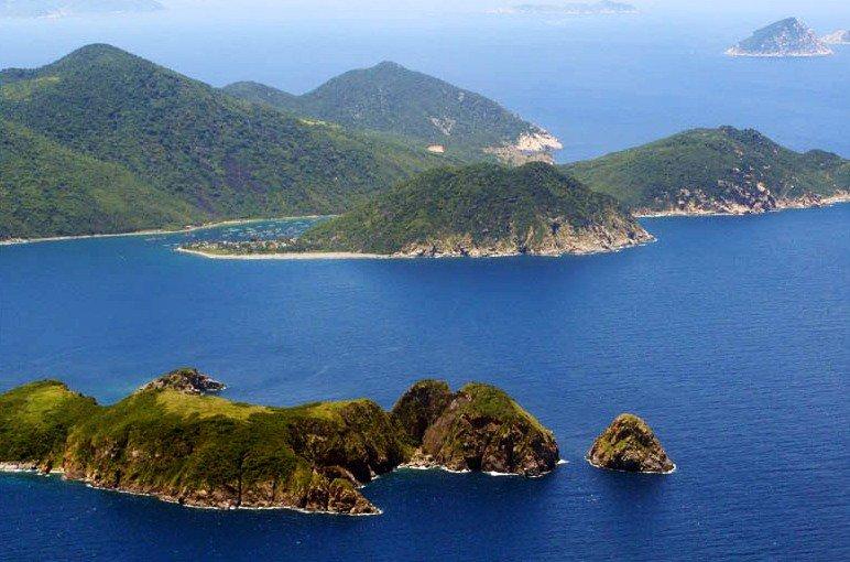 Đảo Hòn Mun - lặn biển ngắm san hô.