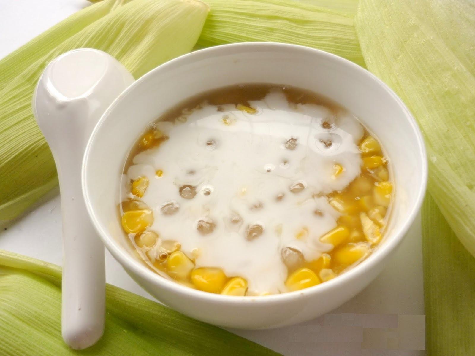 Các món chè ngon nổi tiếng xứ Huế phải nhắc đến món chè bắp béo ngậy nước cốt dừa