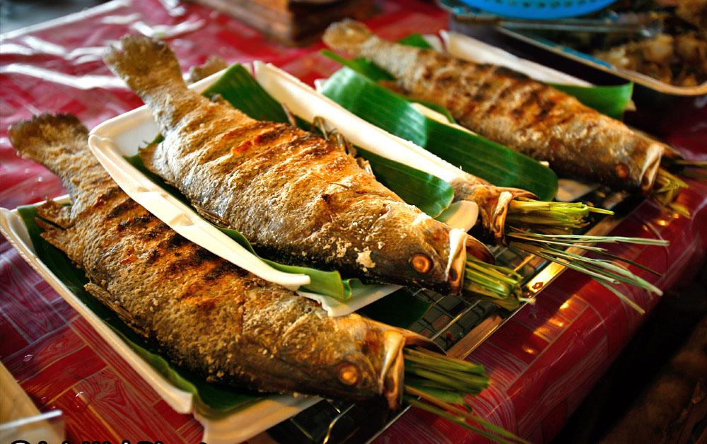 Cá suối nướng, món ngon của Mai Châu.