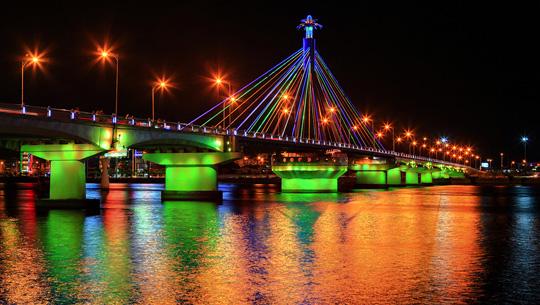 Cầu Sông Hàn (Cầu Quay).
