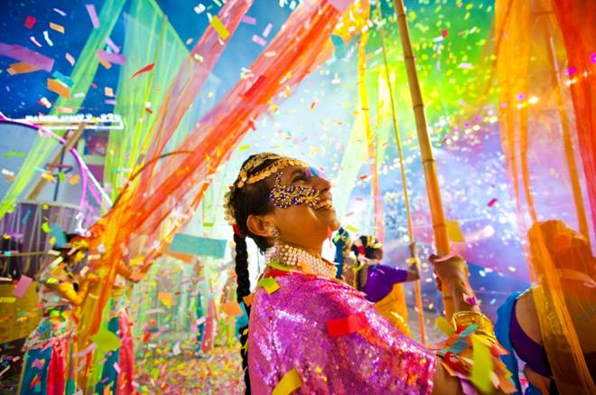 Lễ hội Chingay hội tụ các điệu điệu múa truyền thống của nhiều nước như Trung Quốc, Malaysia, Ấn Độ, Nhật, Hàn Quốc, Brazil, Anh, Mỹ