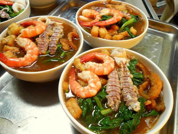 Bún hải sản ngon và hấp dẫn tại Hạ Long