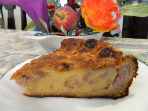 Bánh chuối nướng hấp dẫn bởi vị ngon ngọt, béo ngậy. Ảnh: Vietnamesedishes