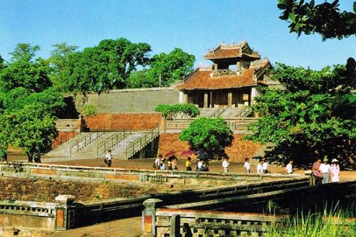 Lăng Tự Đức là một trong những công trình đẹp nhất của kiến trúc thời Nguyễn