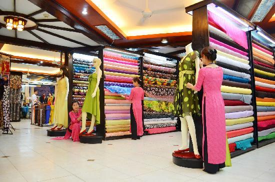 Bao Khanh Silk – 101 Trần Hưng Đạo.