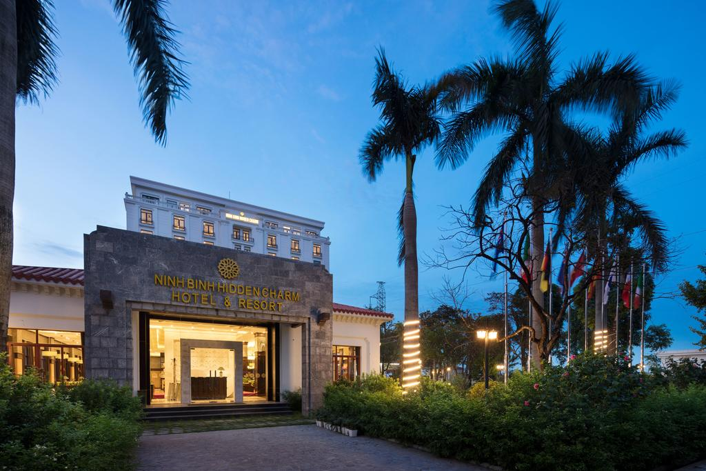 Hidden Charm Hotel & Resort Ninh Bình.