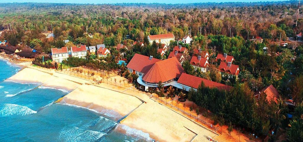 Huong Phong Ho Coc Resort.