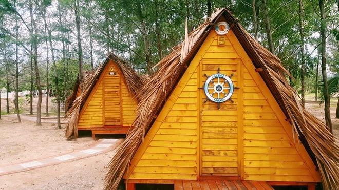 Những căn lều ở đây được thiết kế dạng tam giác đơn giản.