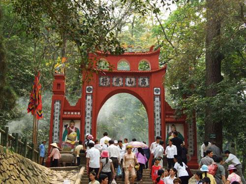 Di tích đền Hùng
