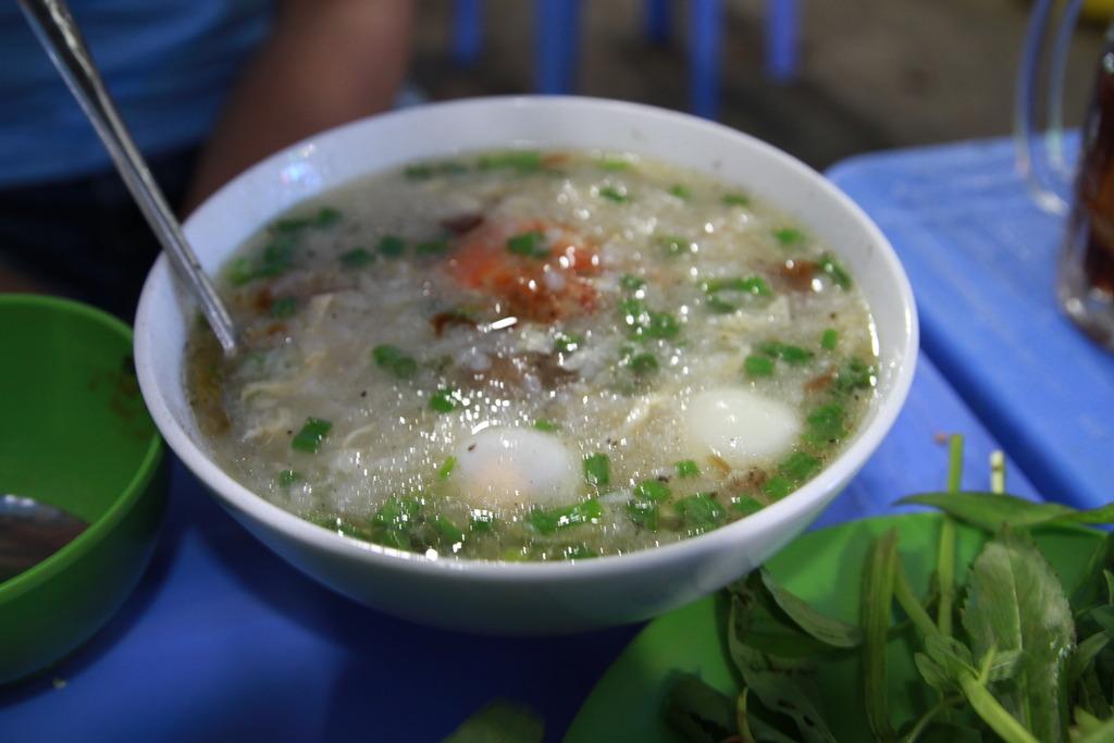 Những quán hải sản bán đêm ở Vũng Tàu.