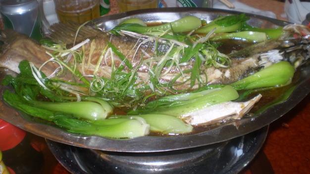 Cá chẽm hấp cải bẹ xanh