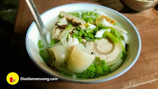 khanh hoa banh canh dem cho dam 0 ce374b26635944540238919175 - List 1 số quán ăn đêm ở Nha Trang