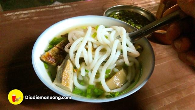 khanh hoa banh canh dem cho dam 0 9fa50341635944542855507175 - List 1 số quán ăn đêm ở Nha Trang