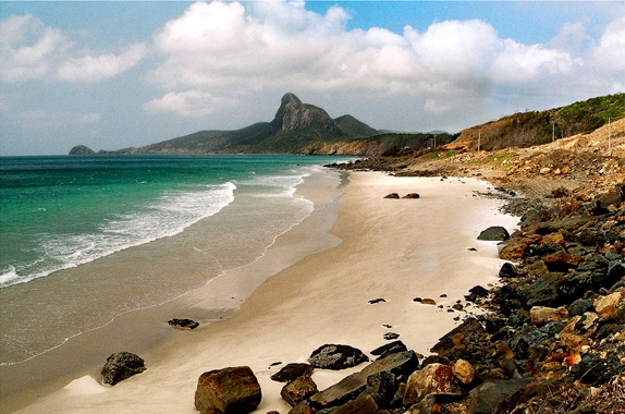 Du lịch Côn Đảo - Tắm biển bãi Nhát