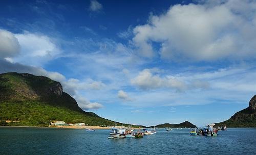 Du lịch Côn Đảo - Tham quan cảng Bến Đầm