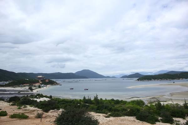 Một góc hoang sơ của bán đảo Đầm Môn. Ảnh: Kim Lộc