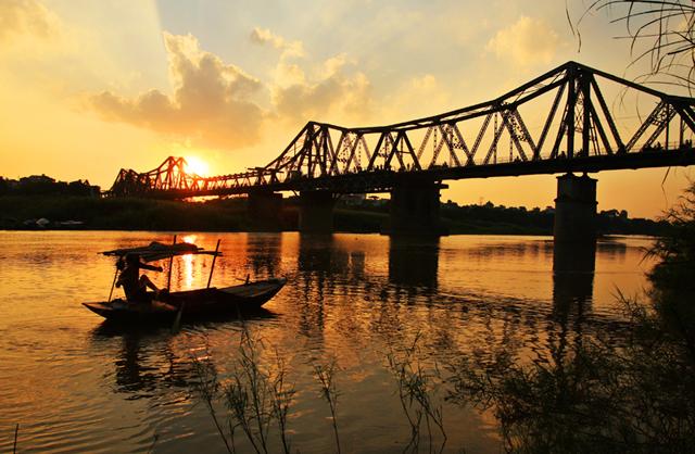 Khung cảnh yên bình ở cầu Long Biên