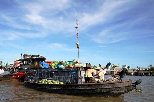 Chợ nổi Trà Ôn, ngôi chợ lâu đời và đậm nét văn hóa vùng sông nước. Ảnh:Blogspot