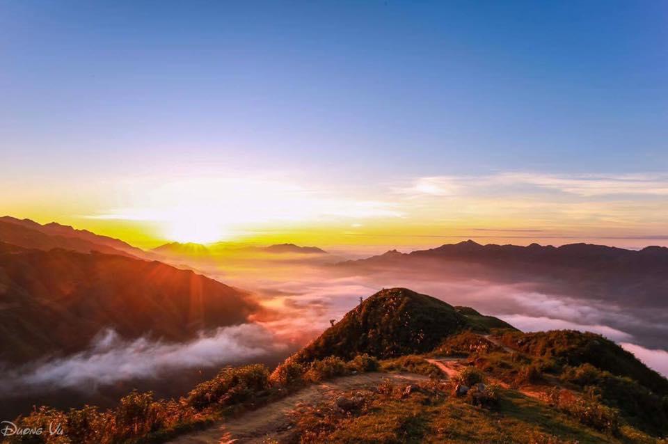 Hành trình săn mây Tà Xùa- ngắm hoa Mộc Châu