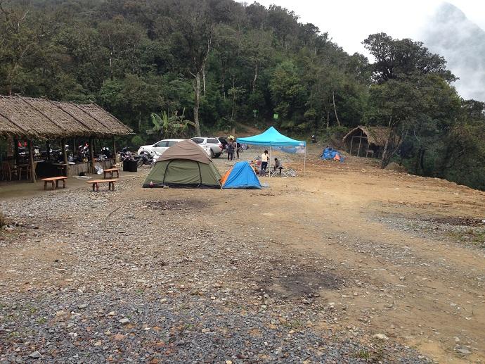 Bãi cắm trại trong thị trấn Tam Đảo.
