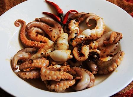 """Lạ miệng với món """"bạch tuộc mini"""" vùng Quảng Ninh"""