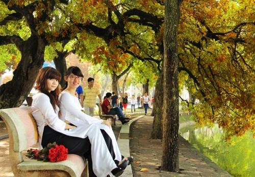 Lung linh vẻ đẹp bình yên của mùa thu Hà Nội - Ảnh 4
