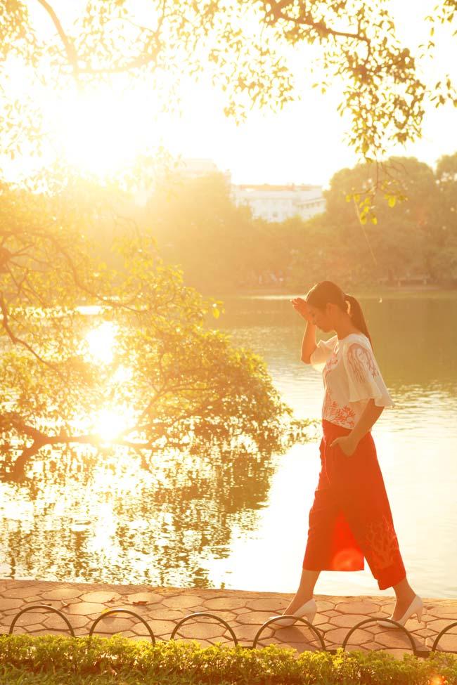 Ngắm Hà Nội thơ mộng, óng vàng mỗi chiều thu qua - 2