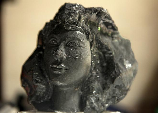 Những sản phẩm điêu khắc tinh vi, chuyên nghiệp như: tượng bán thân, tượng truyền thần… thể hiện một đẳng cấp điêu khắc vượt trội.