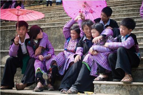 Những bật mí thú vị về chợ tình - tết Độc Lập của người Mông - Mộc Châu