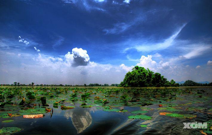 """Hồ Quan Sơn được người miền Bắc ưu ái đặt cho cái tên """"Hạ Long cạn"""""""