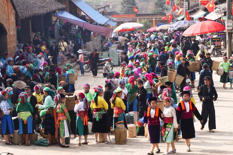 Chợ tình Khâu vai thường diễn ra vào tháng 3 âm lịch.
