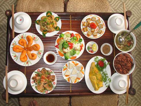 Các món ăn chay được làm cầu kỳ và ngon không kém món ăn mặn