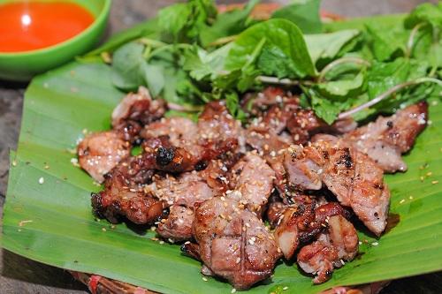 Thịt dải mềm ngọt được nướng cùng giềng, mẻ thơm lừng quyến rũ thực khách.
