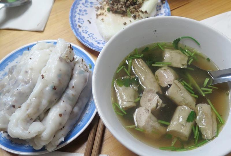 Bánh cuốn bà Hà đồng văn