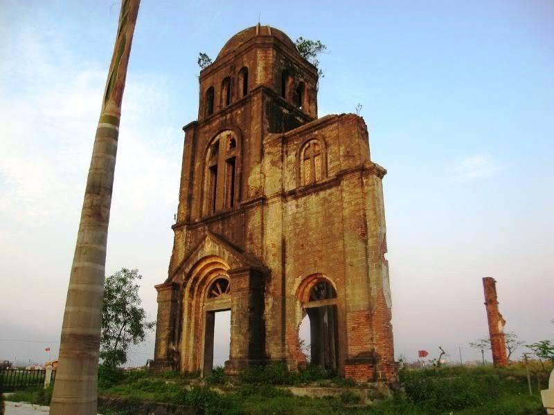 Nhà thờ Tam Tòa.