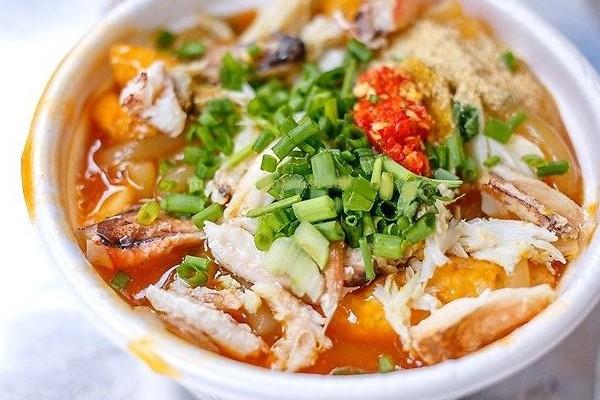 Bánh canh Nam Phổ, món ăn làm giàu ẩm thực đường phố Huế