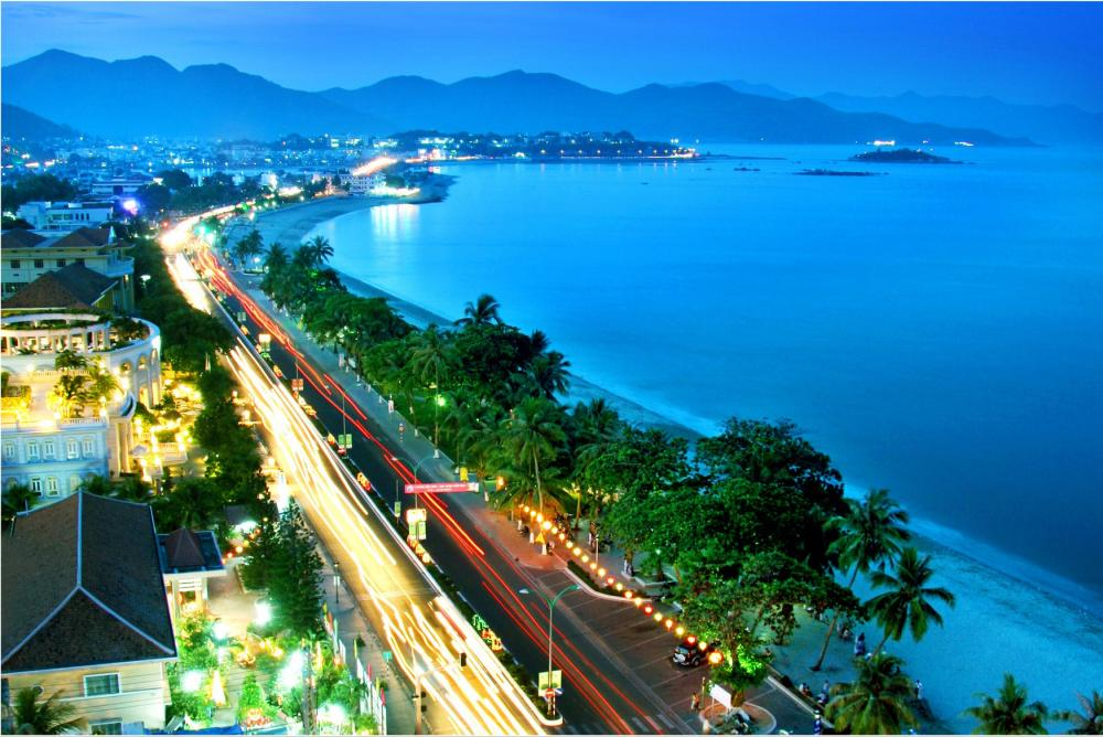 Bãi tắm Phạm Văn Đồng
