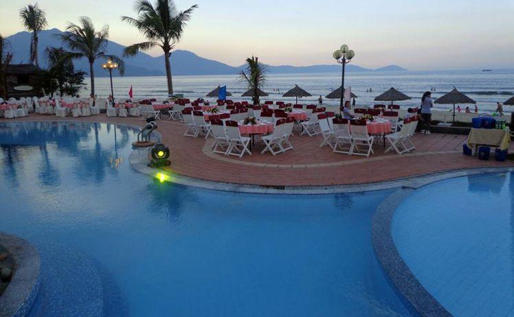 Khách sạn gần bãi biển Xuân Thiều