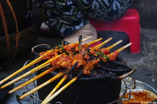Thịt xiên nướng công viên Kazik, đường Trần Phú.