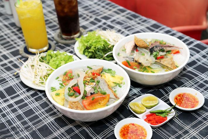 Tô bún sứa hấp dẫn sẽ níu chân bất kì du khách nào đã đến du lịch Nha Trang