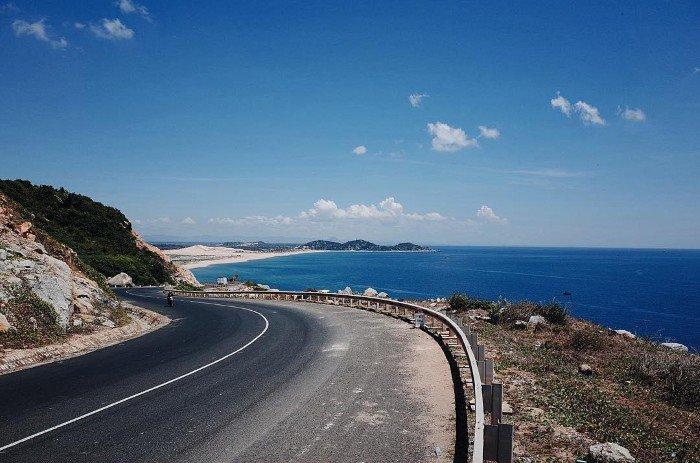 Cung đường ven biển đi Vũng Tàu.
