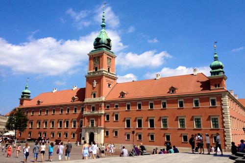 Warsaw, thành phố vươn lên từ đống tro tàn