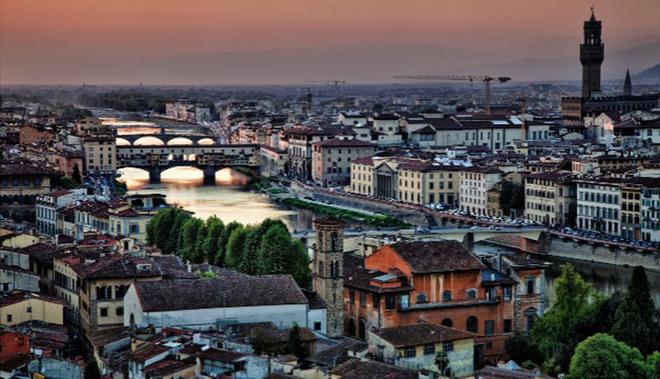 Thành phố xinh đẹp của Italy gây ấn tượng với du khách nhờ sở hữu bộ sưu tập về kiến trúc, nghệ thuật độc đáo. Năm 2013, Florence cũng đứng ở vị trí thứ ba.