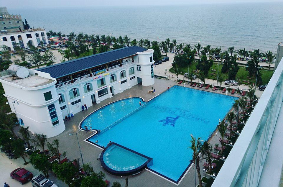 Hoàng Long Resort.