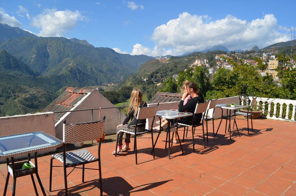 Khách sạn khu vực trung tâm Sapa thường có tầm nhìn ra núi rất đẹp.