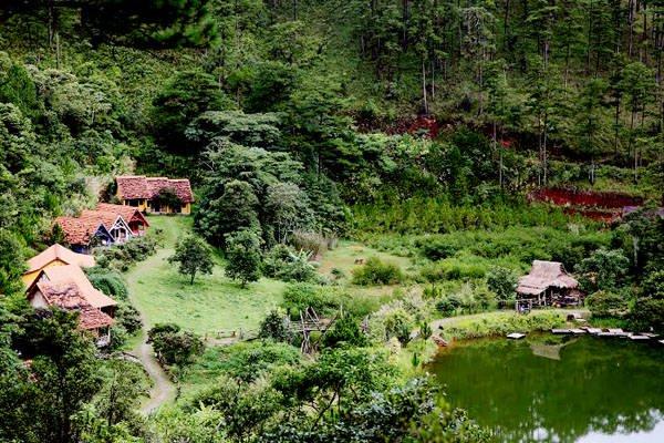 Ngôi làng Cù Lần đẹp như cổ tích ở Đà Lạt.